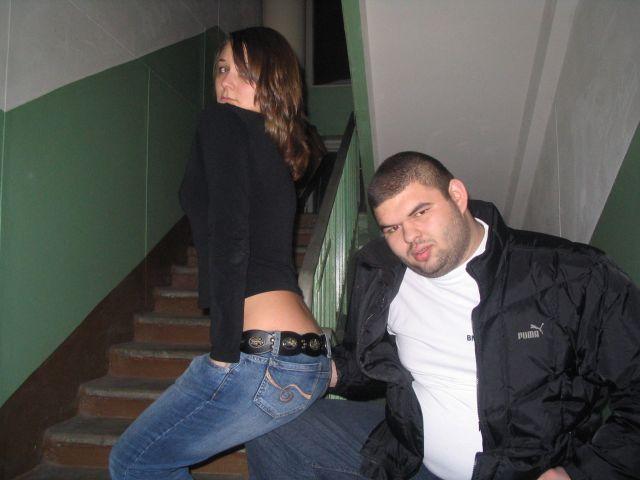 Смотреть секс русский в подъезде придумали